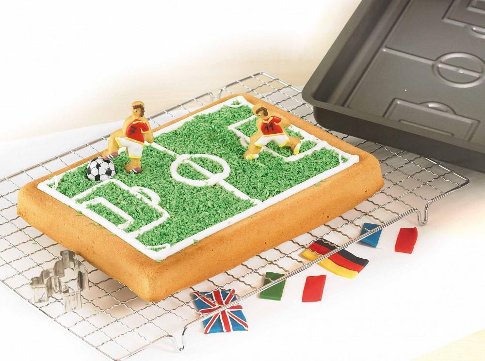 Birkmann Backform Fußballfeld