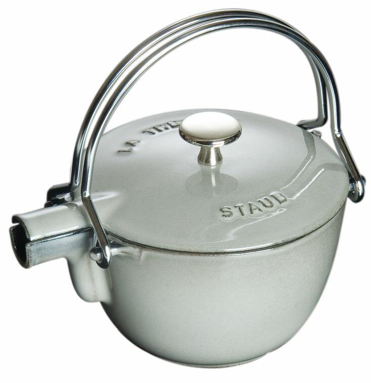 Staub Teekanne und Wasserkessel aus Gusseisen in graphitgrau