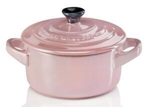 Le Creuset Mini Cocotte in chiffon pink Metallic