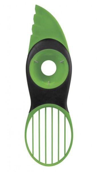 OXO Good Grips 3-in-1-Avocadoschneider in grün