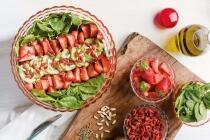 Grüner Spargel-Erdbeersalat