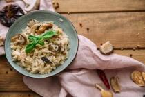 Herzhafte Pfannkuchen mit Pilz-Hackfleisch-Füllung