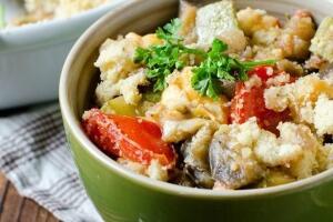 Zucchini-Tomaten-Crumble