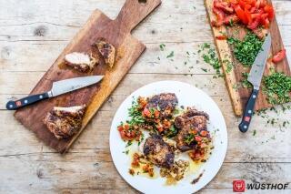 Jamaikanisches Grillhähnchen (Jerk-Chicken) mit Tomatensalsa