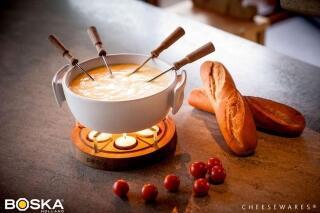 Käsefondue mit Baguette