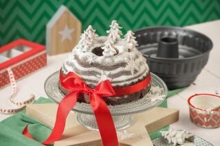 Weihnachtlicher Schwarzwälder Kirschkuchen