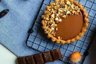 Vegane Schokoladen-Tonkabohnentörtchen ohne raffinierten Zucker