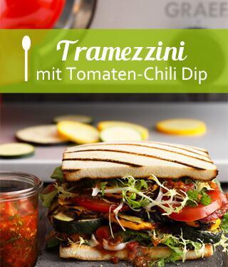 Mediterrane Tramezzini mit Tomaten-Chili-Dip