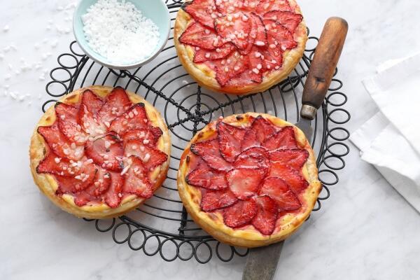 Erdbeer-Törtchen mit Patisserie-Creme
