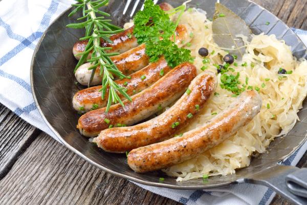 Sauerkraut mit Nürnberger Würstchen