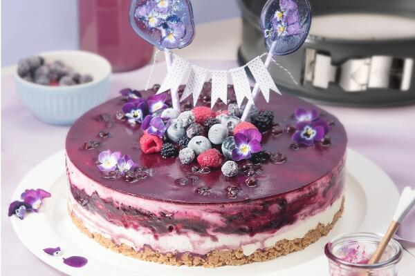 Sahne Torte mit Beeren und Quark
