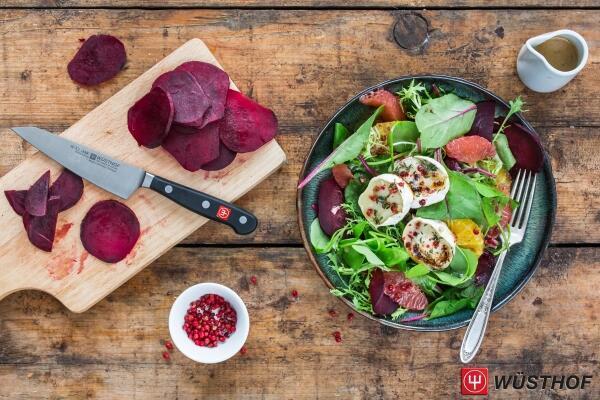 Mangoldsalat mit Ziegenkäse und roter Bete