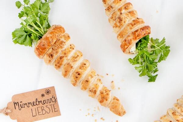 Blätterteig-Karotten mit Frischkäse-Kräutercreme