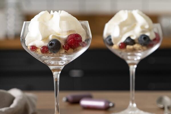 Beeren-Cheesecake im Glas