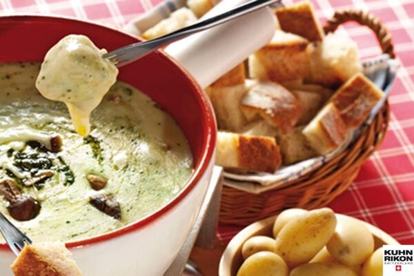 Pesto Fondue mit Steinpilzen