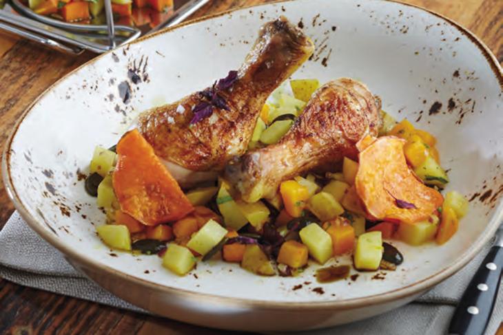 Gegrillte Hähnchenkeulen mit lauwarmen Kartoffel-Kürbis Salat