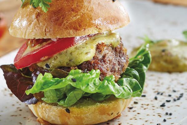 Beef-Burger mit Ingwer-Zitronengras