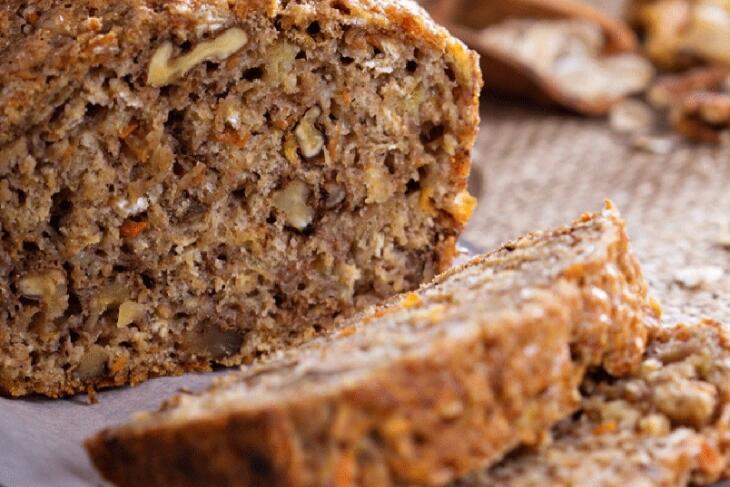 Knuspriges Nussbrot - verfeinert mit Hasel- oder Walnüssen
