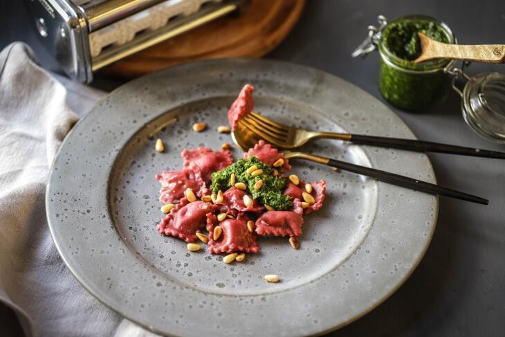 Rote Bete Ravioli mit Grünkohl-Pesto