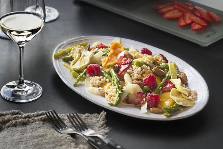 Fruchtiger Spargelsalat mit Dinkelreis