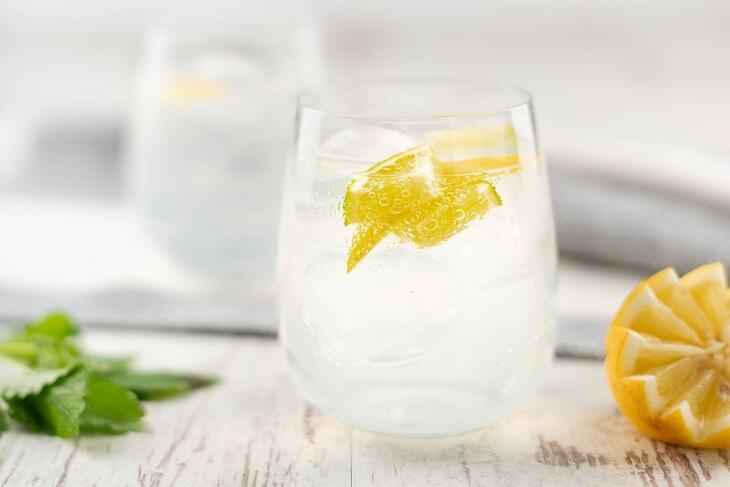 Holunder-Minz-Limonade