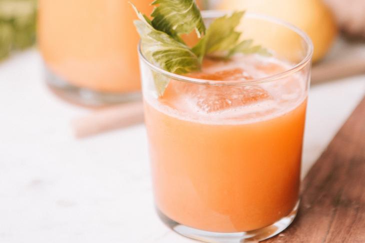 Orangen-Papaya-Lassi