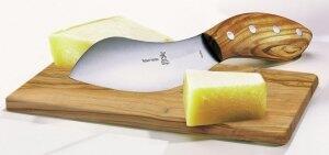 Das richtige Werkzeug zum Schneiden, Reiben und Schaben von Käse